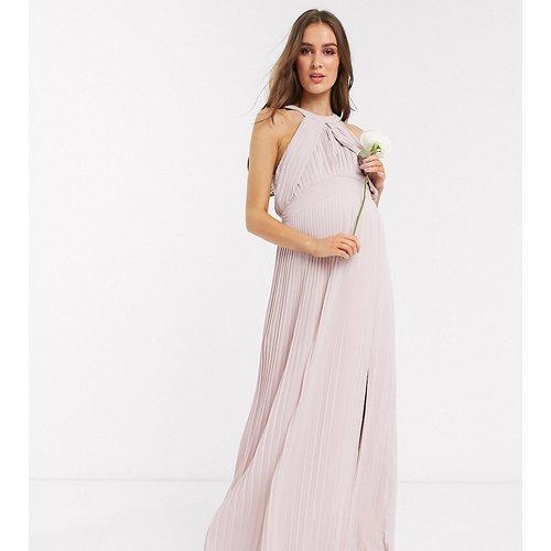 Robe longue de demoiselle d'honneur plissée - Exclusivité - TFNC Maternity - Modalova