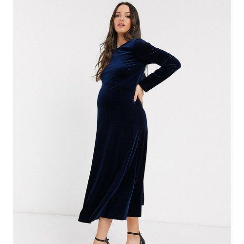 Robe patineuse mi-longue en velours - Bleu marine nuit - TFNC Maternity - Modalova