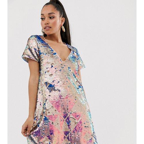 Robe t-shirt à sequins multicolores - TFNC Petite - Modalova