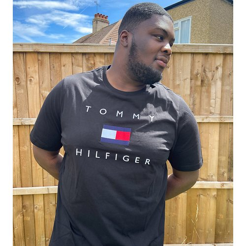 Big and Tall - T-shirt avec logo drapeau sur le devant - Tommy Hilfiger - Modalova