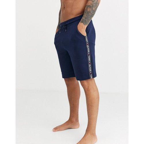 Short confort authentique avec bandes griffées sur les côtés - Bleu marine - Tommy Hilfiger - Modalova