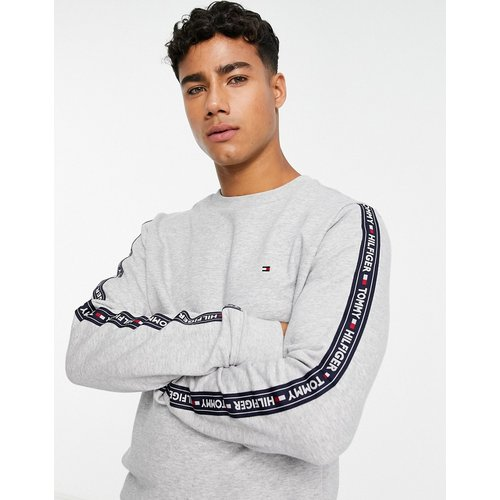 Sweat-shirt confort authentique avec bande latérale à logo - Tommy Hilfiger - Modalova