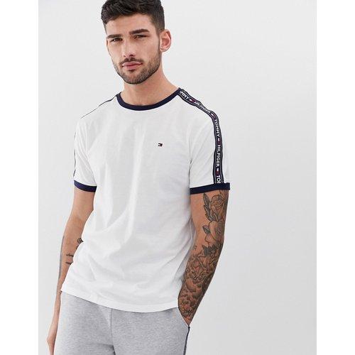 T-shirt confort authentique avec bande latérale à logo - Tommy Hilfiger - Modalova
