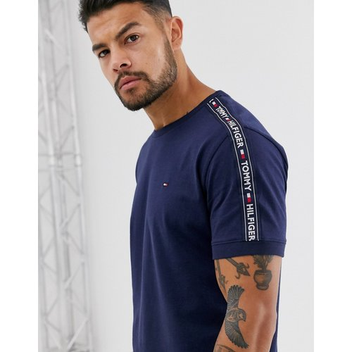 T-shirt confort authentique avec bande latérale à logo - Bleu marine - Tommy Hilfiger - Modalova