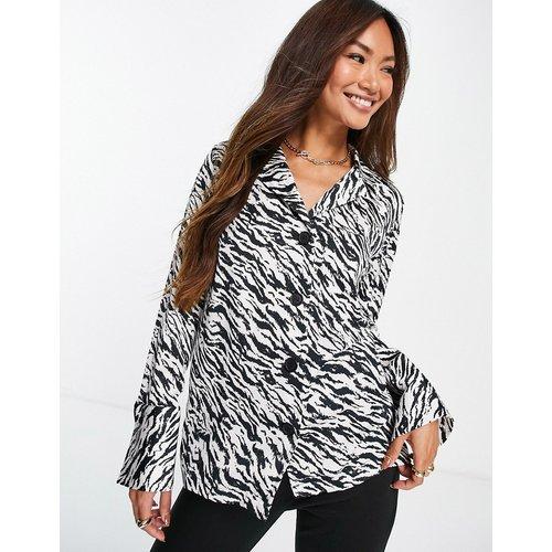 Chemise de pyjama à imprimé zébré - et blanc - Topshop - Modalova