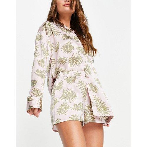 Ensemble de pyjama en satin à imprimé fougère avec chemise et short - Topshop - Modalova