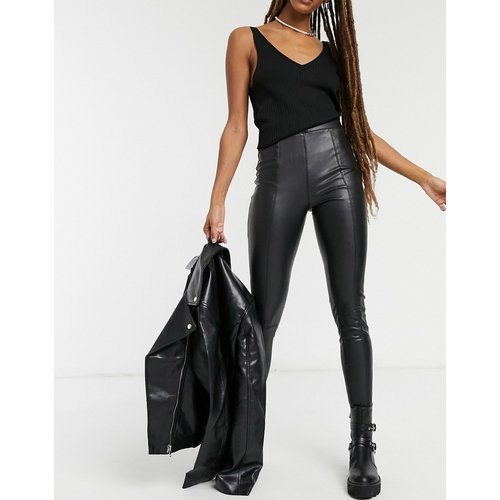 Pantalon aspect cuir - Topshop - Modalova