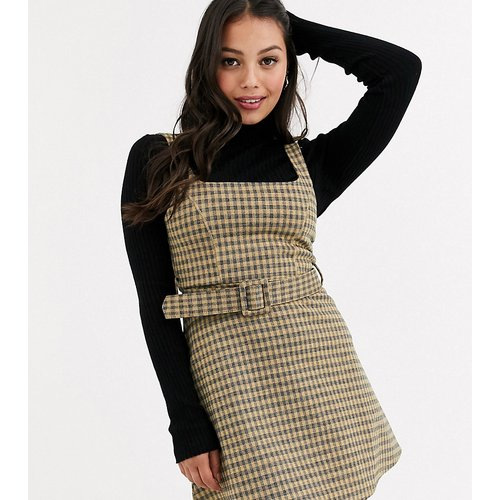 Robe chasuble à carreaux avec ceinture - Moutarde - Topshop Petite - Modalova