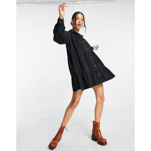 Robe chemise mi-longue à volant - délavé - Topshop - Modalova