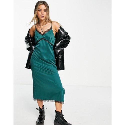 Robe nuisette mi-longue en satin avec finitions contrastantes en dentelle noire - Topshop - Modalova