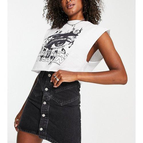 Tall - Jupe en jean boutonnée - délavé - Topshop - Modalova