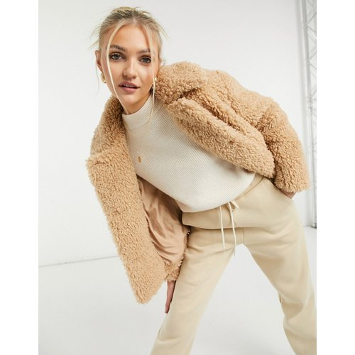 Veste courte imitation peau de mouton - Camel - Topshop - Modalova