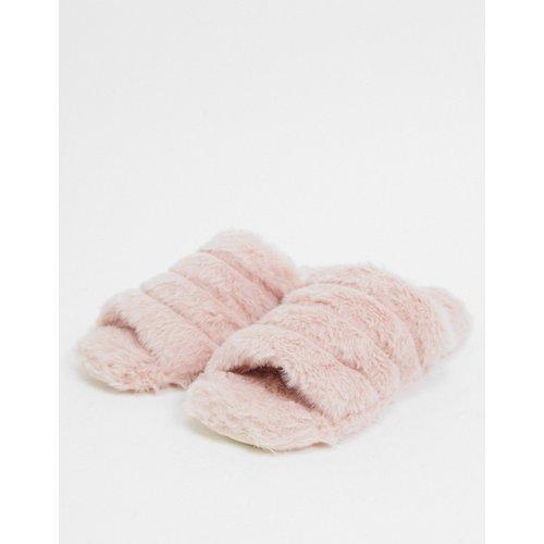 Chaussons en fausse fourrure - Truffle Collection - Modalova