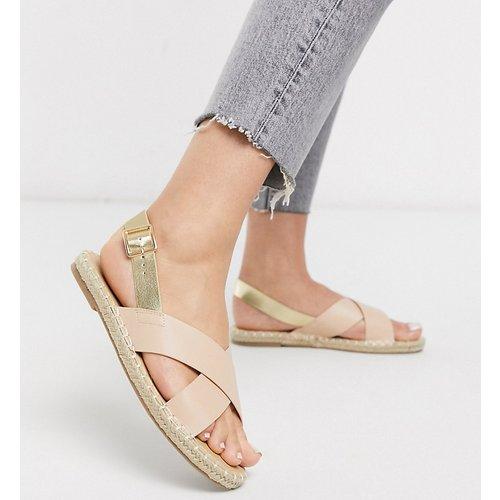 Sandales à lanières croisées style espadrille et bout carré - Truffle Collection - Modalova