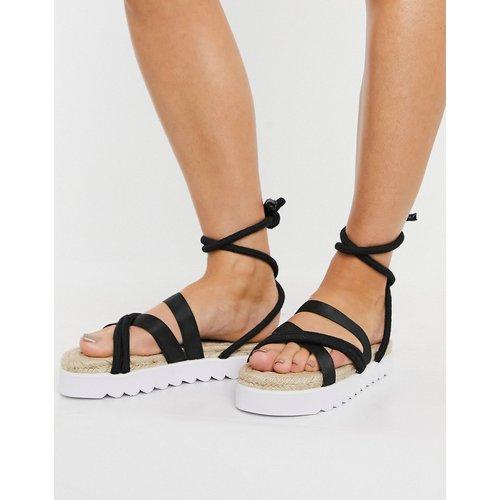 Sandales style espadrilles à semelle plateforme avec liens à nouer à la cheville - Truffle Collection - Modalova