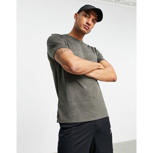 Training Vent - T-shirt - Camouflage kaki - Under Armour - Modalova