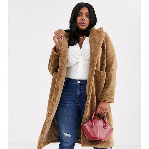 Manteau long duveteux avec poches - Fauve - Vero Moda Curve - Modalova