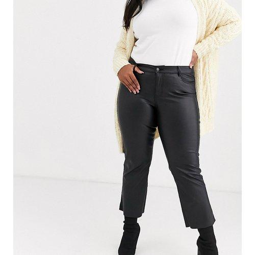 Pantalon droit en imitation cuir - Vero Moda Curve - Modalova