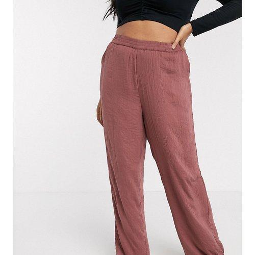 - Pantalon en satin - Vero Moda Curve - Modalova