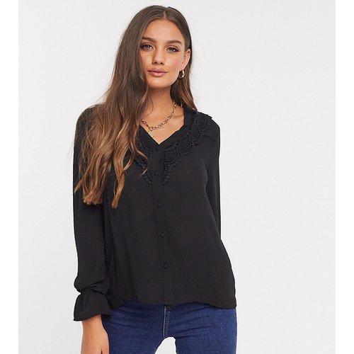 Chemise avec encolure décolletée en dentelle - Vero Moda Petite - Modalova