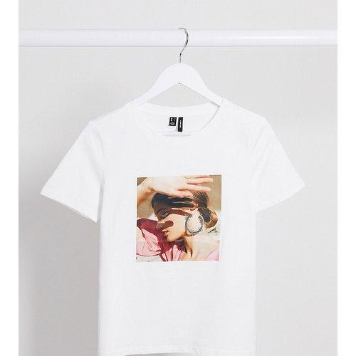 Vero Mode Petite - T-shirt à motif - Vero Moda Petite - Modalova