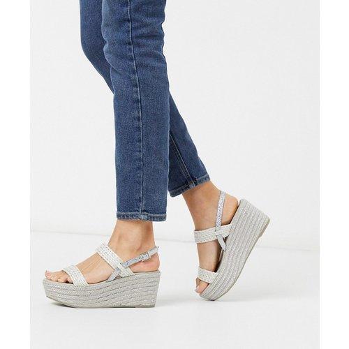 Chaussures compensées à talon en raphia style espadrilles - Glacier - XTI - Modalova