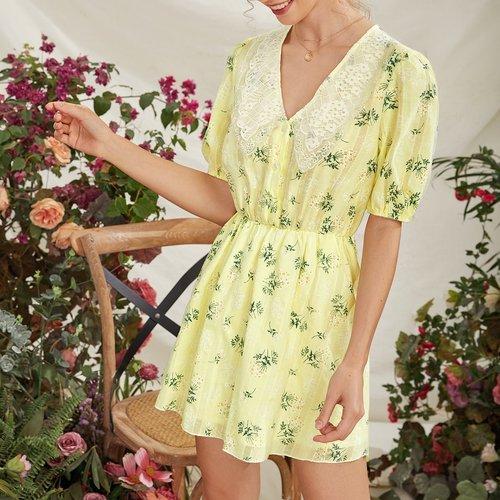 Robe fleurie avec dentelle - SHEIN - Modalova