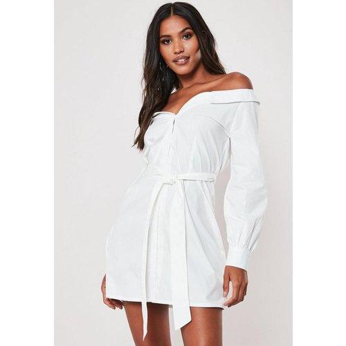 Robe chemise blanche popeline avec ceinture - Missguided - Modalova