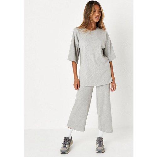 Ensemble côtelé t-shirt et pantalon style jupe-culotte - Missguided - Modalova