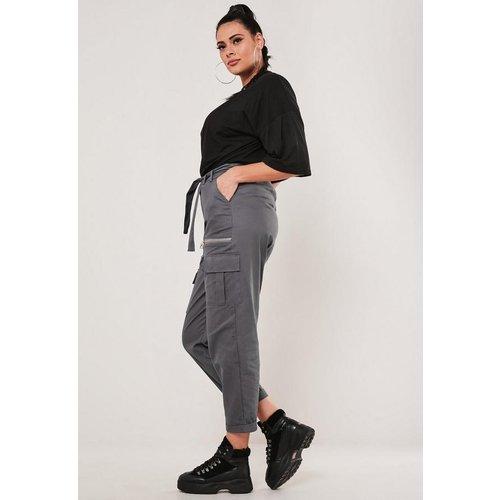 Pantalon cargo à taille cintrée grandes tailles - Missguided - Modalova