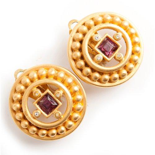 Royal Ruby earclips - Givenchy Vintage - Modalova