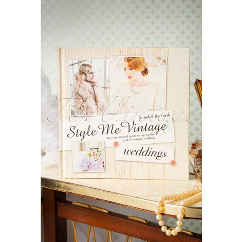 An Inspirational Guide To Styling The Perfect Vintage Wedding - style me vintage - Modalova