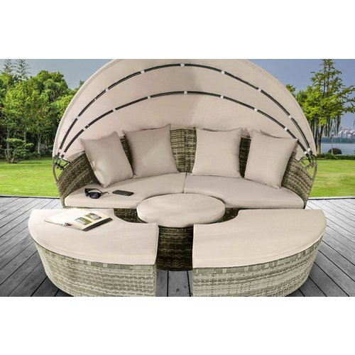 £399 instead of £699.99 (from UKFurniture4U) for a 160cm sun island polyrattan daybed lounger or £459 for a 180cm sun island polyrattan daybed lounger - save up to 43%