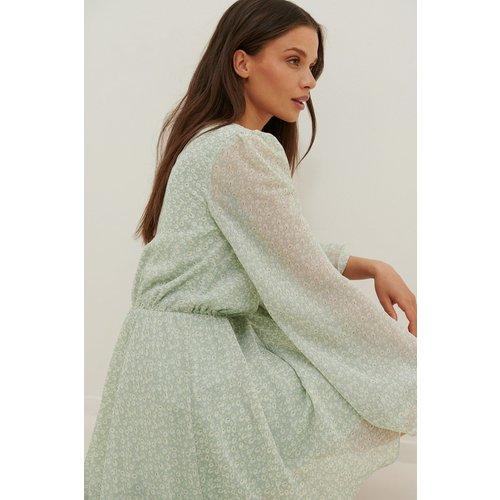 Recyclée Robe Mini À Manches Amples En Mousseline - Green - Anika Teller x NA-KD - Modalova