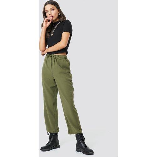 Drawstring Suit Pants - Green - Astrid Olsen x NA-KD - Modalova