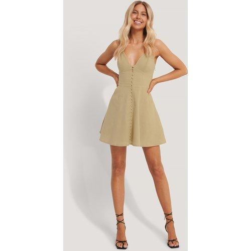 Robe Mini Boutonnée - Beige - Chloé B x NA-KD - Modalova