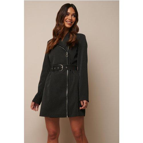 Pinstriped Zip Detail Blazer Dress - Black - Donnaromina x NA-KD - Modalova