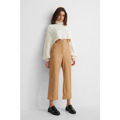 Pantalon Faux Cuir - Beige - Gine Margrethe x NA-KD - Modalova