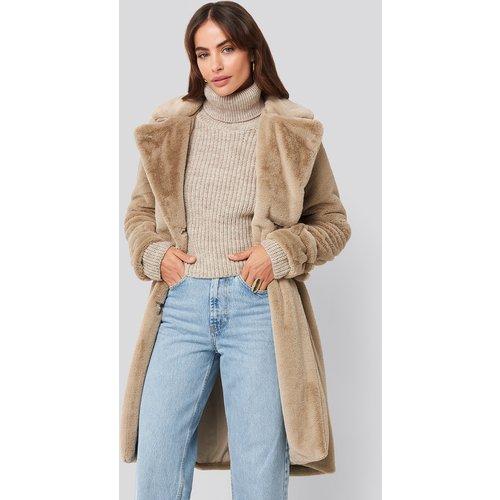 Double Breasted Belted Faux Fur Coat - Beige - Hannalicious x NA-KD - Modalova