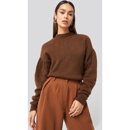 Drop Shoulder Pullover - Brown - Hanna Weig x NA-KD - Modalova