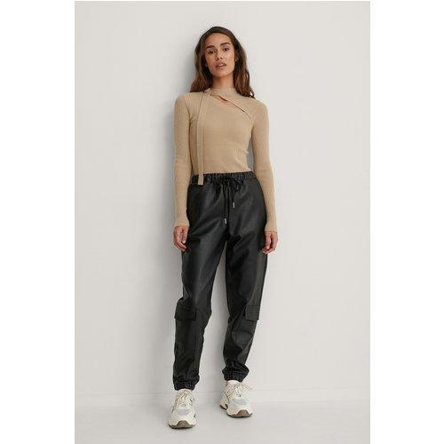 Pantalon Faux Cuir - Black - Isha Van Dijk x NA-KD - Modalova