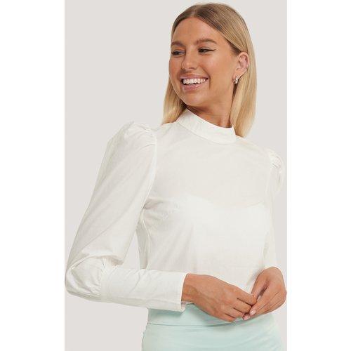 Back Buttons Cotton Shirt - Offwhite - Kim Feenstra x NA-KD - Modalova