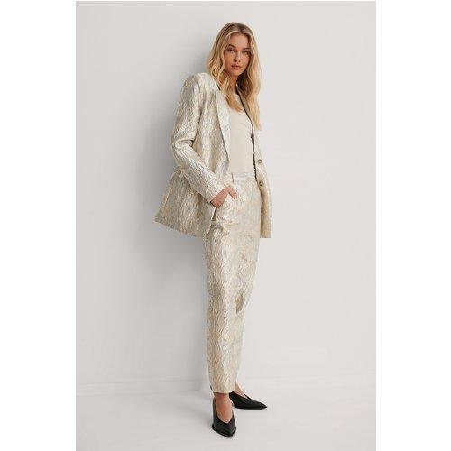 Pantalon De Costume À Motif Droit - Gold - Lizzy x NA-KD - Modalova