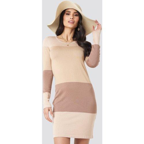 Light Knit Blocked Dress - Beige - Luisa Lion x NA-KD - Modalova