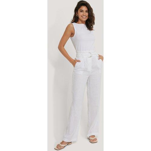 Pantalon Taille Paperbag - White - Manon Tilstra x NA-KD - Modalova