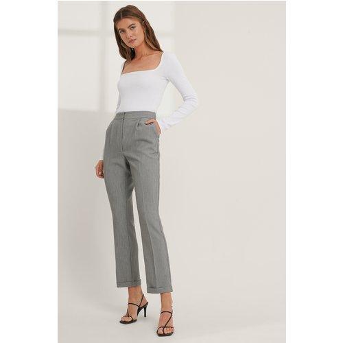 Pantalon De Costume - Grey - Mathilde Gøhler x NA-KD - Modalova