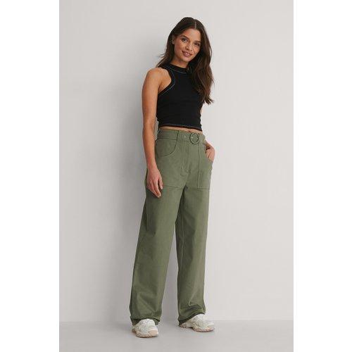 Pantalon De Costume À Poche - Green - Isha Van Dijk x NA-KD - Modalova