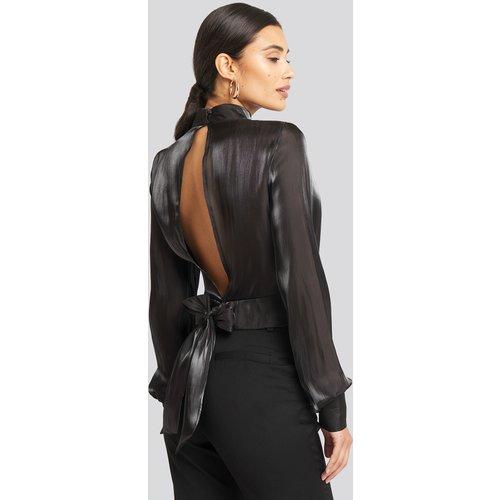 Open Back Tie Detail Blouse - Black - AFJ x NA-KD - Modalova