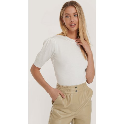 Short Sleeve Knitted Top - White - Misslisibell x NA-KD - Modalova