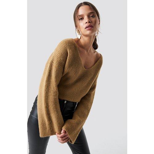 Loose Fit Knitted Sweater - Beige - Iva Nikolina x NA-KD - Modalova